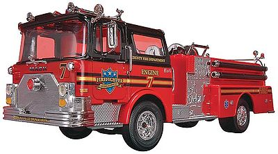 plastic model car,plastic models,Fire Truck -- Snap Tite Plastic Model Vehicle Kit -- 1/32 Scale -- #851945