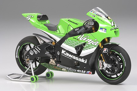 plastic models,motorcycle plastic models,Kawasaki Ninja ZX-RR Bike -- Plastic Model Motorcycle Kit -- 1/12 Scale -- #14109